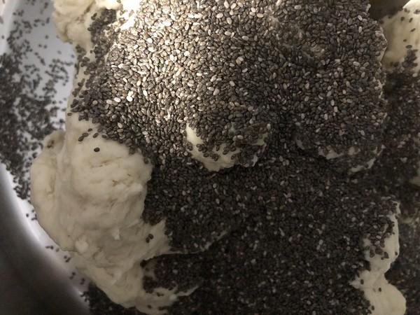 不用出膜却敲好吃的奇亚籽贝果面包的简单做法