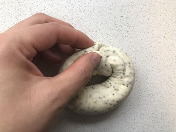 不用出膜却敲好吃的奇亚籽贝果面包的制作