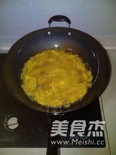 麻辣干锅翅膀怎么吃