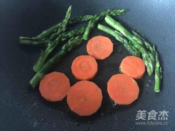 香煎芦笋鲜贝肉怎么吃