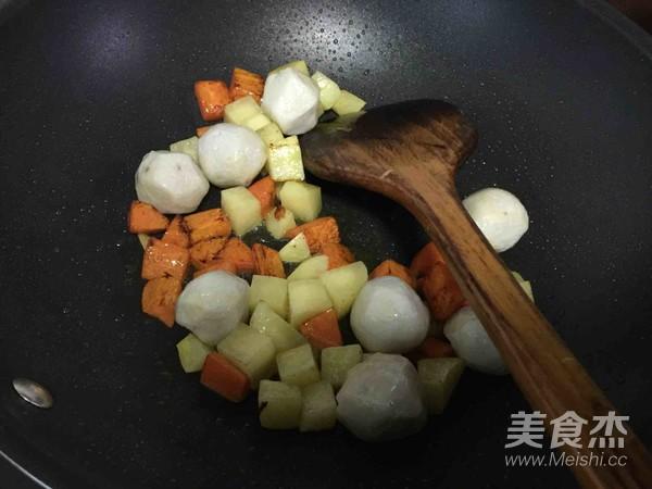 咖喱鱼蛋饭的简单做法