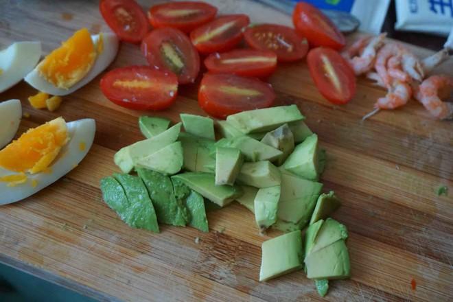鸡丝果蔬沙拉丘比沙拉汁怎么煮
