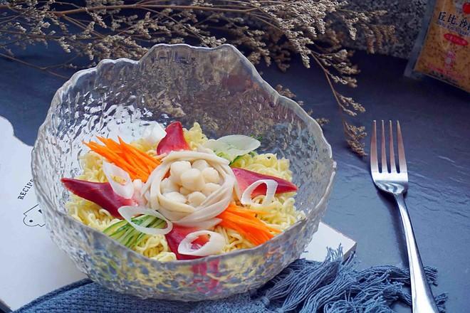 海鲜沙拉冷面丘比沙拉汁怎么炒