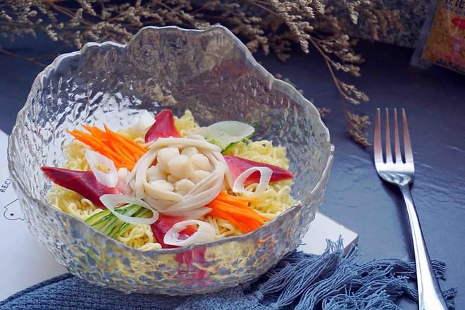 海鲜沙拉冷面丘比沙拉汁怎么煮
