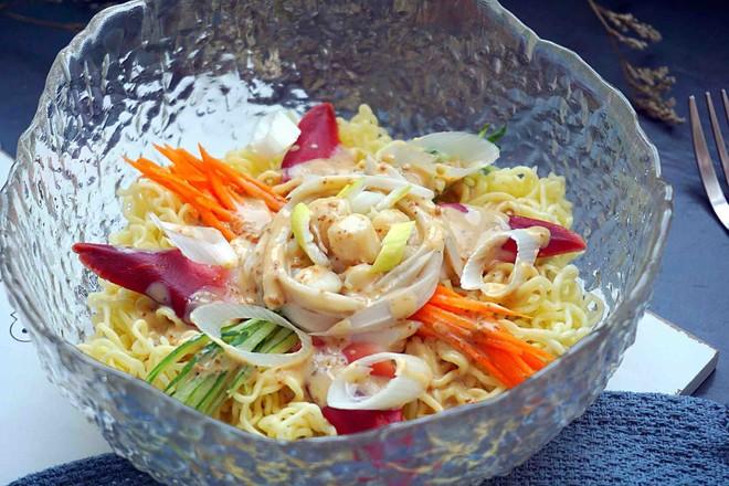 海鲜沙拉冷面丘比沙拉汁怎样煸