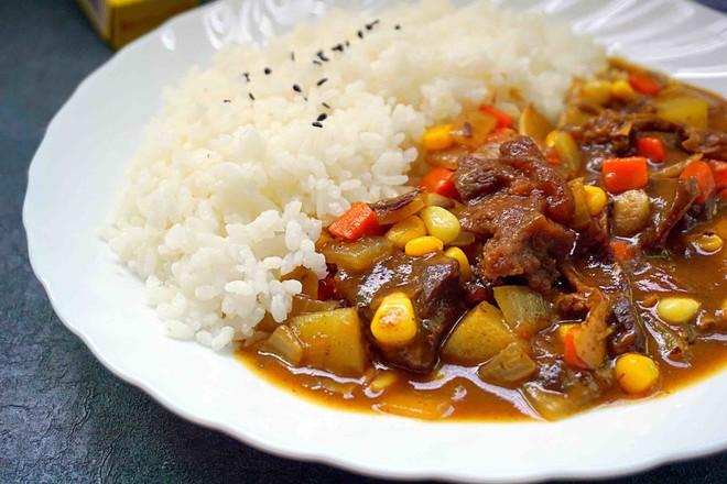 咖喱牛腩饭怎样炒