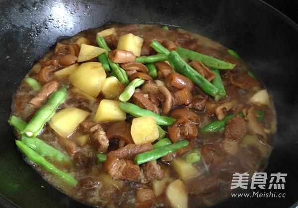 土豆豆角炖五花肉怎样煮