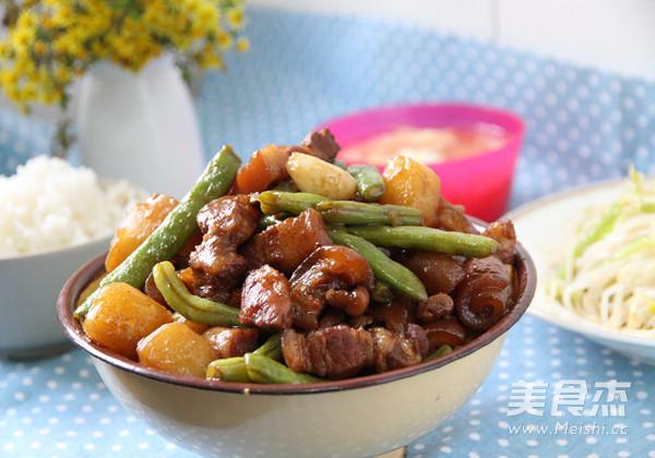 土豆豆角炖五花肉的制作
