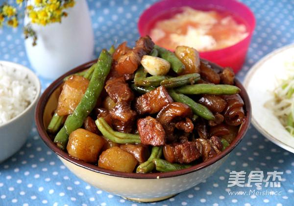土豆豆角炖五花肉的制作方法
