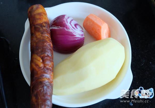 香肠土豆焖饭的做法大全
