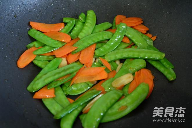 清炒荷兰豆的家常做法