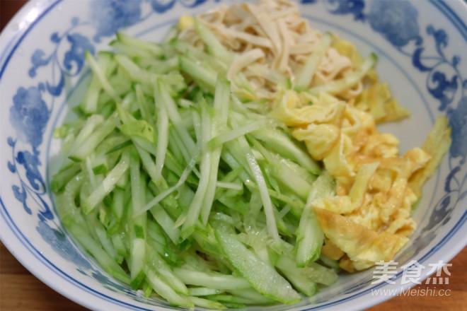 黄瓜鸡蛋拌豆腐丝怎么炒