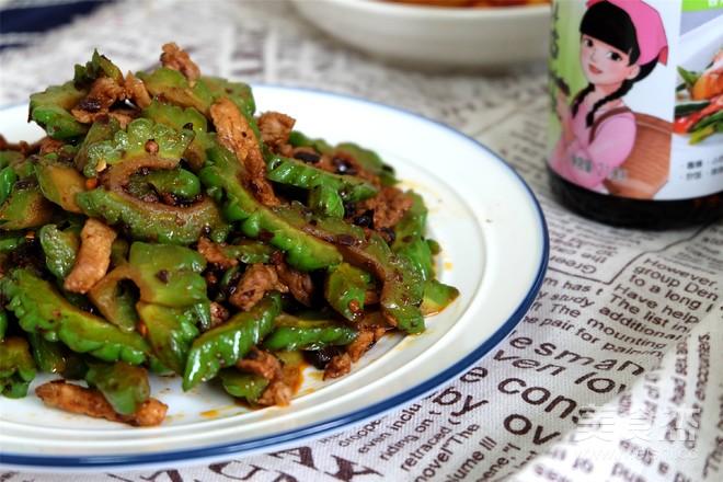 香菇豆豉苦瓜炒肉成品图