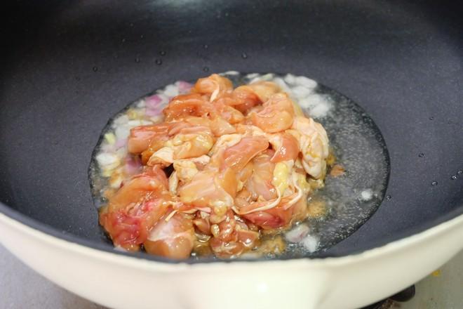 土豆烧鸡腿肉怎么炒