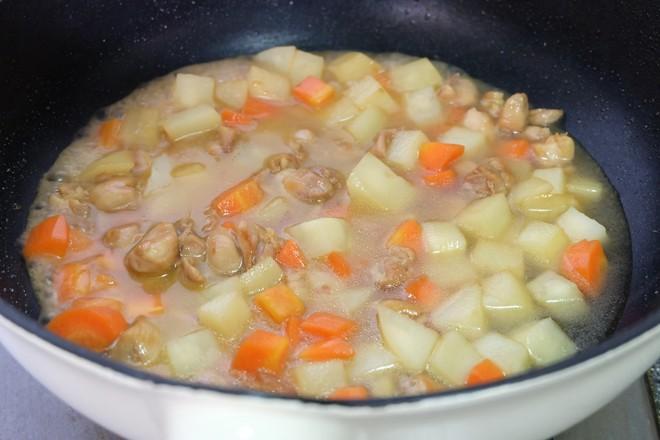 土豆烧鸡腿肉怎么煸