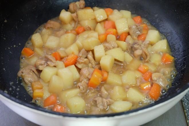 土豆烧鸡腿肉怎样做