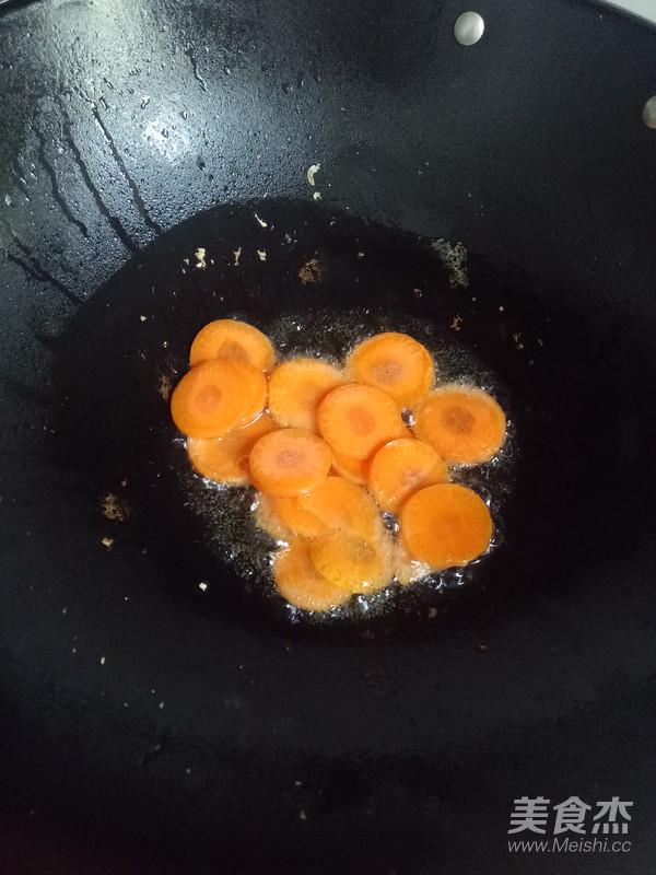 金针菇炒胡萝卜的家常做法