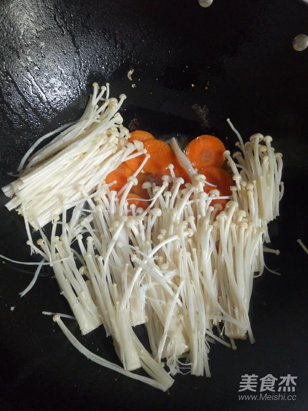 金针菇炒胡萝卜的简单做法