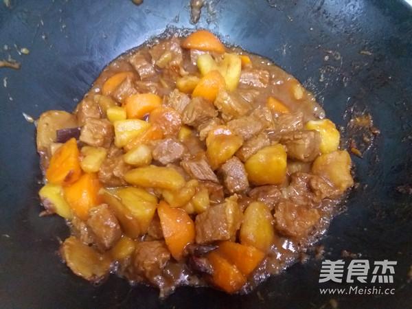 土豆炖牛肉怎么炒