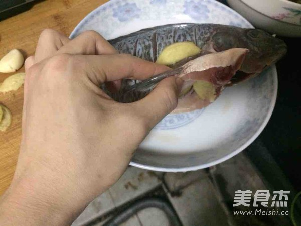 清蒸罗非鱼的家常做法