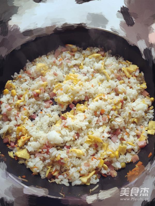 蛋炒饭成品图