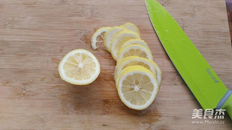 四季养生茶~~冰糖炖柠檬(电饭煲版)的做法图解