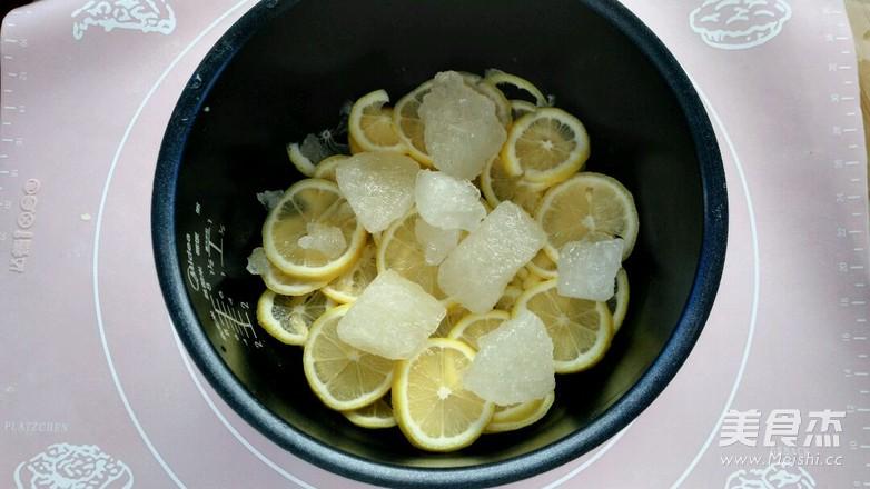 四季养生茶~~冰糖炖柠檬(电饭煲版)的家常做法
