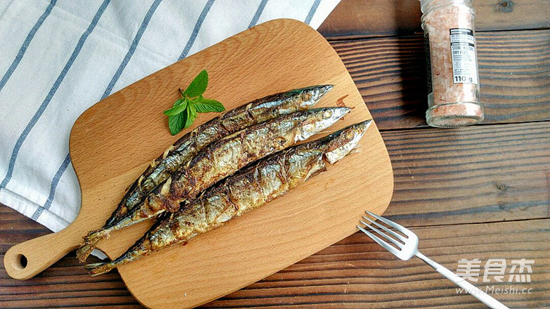 美味的烤秋刀鱼的家常做法