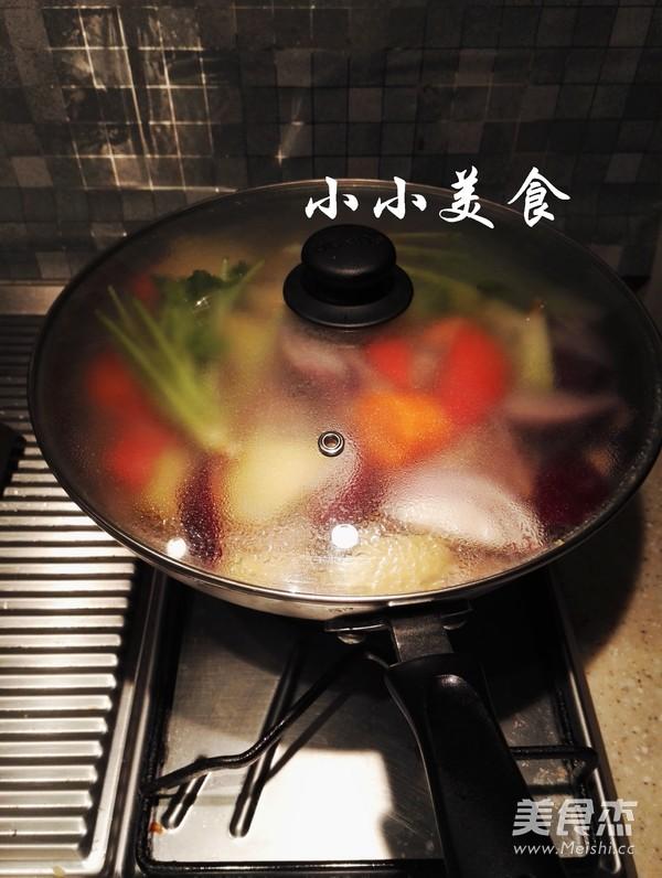 红酒炖牛肉 ,传说中的法式名菜,中式做法更接地气,味道超赞怎样煮