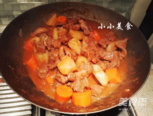 红酒炖牛肉 ,传说中的法式名菜,中式做法更接地气,味道超赞怎样炖