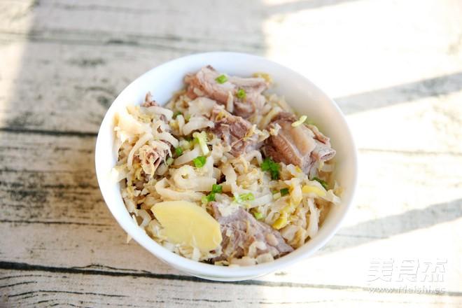 酸菜炖排骨:酸爽解腻的东北大菜怎么煮