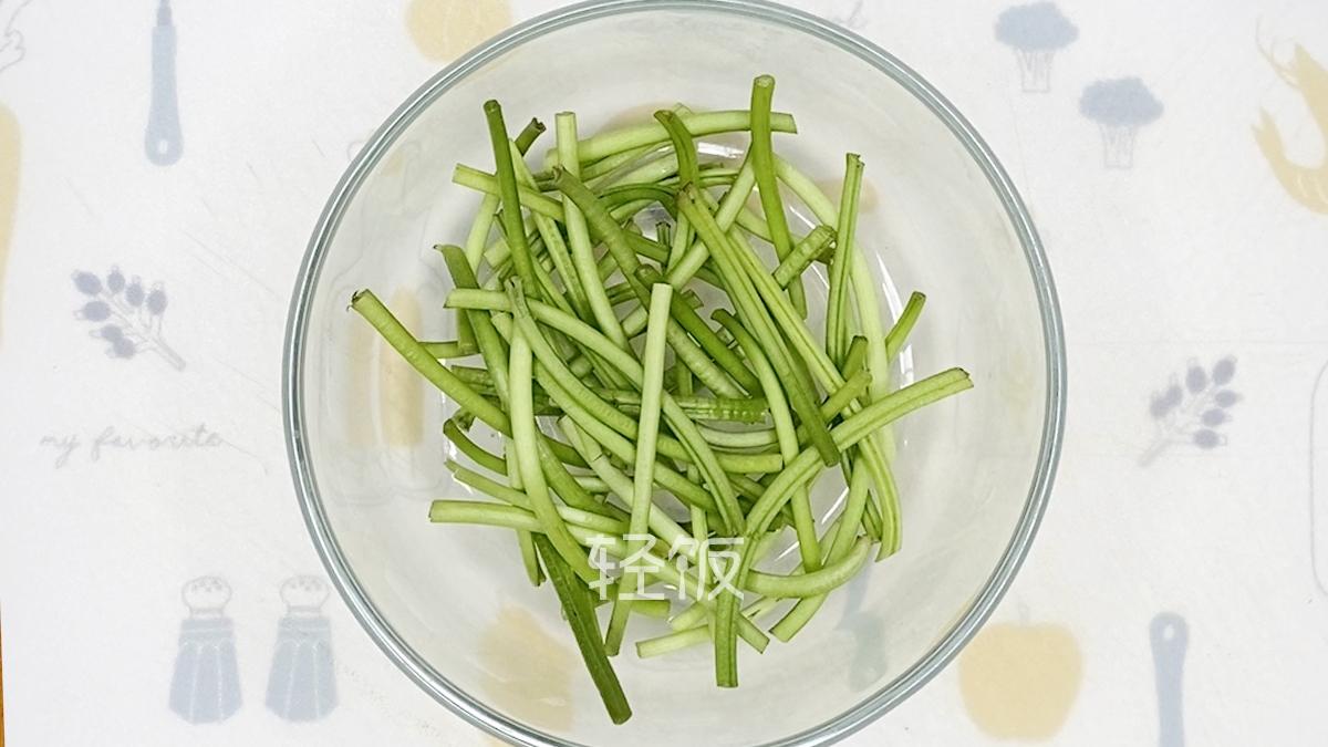 """清炒红薯叶丨它是""""蔬菜皇后""""!最该吃的蔬菜就是它!的家常做法"""