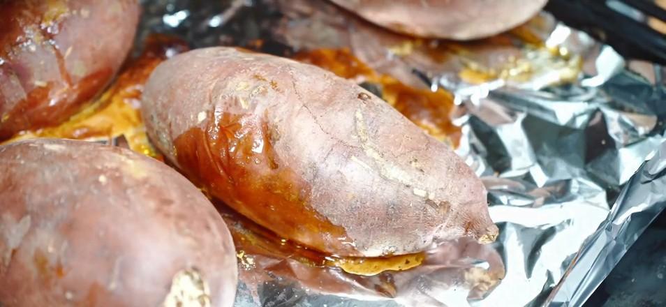 烤红薯成品图