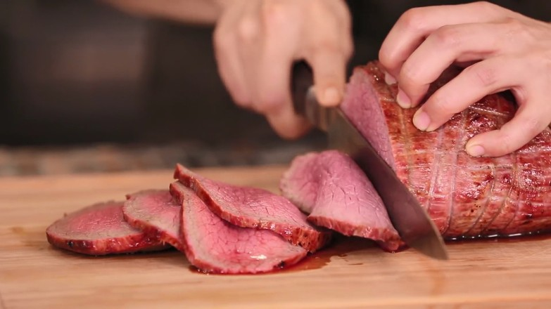 烤牛肉怎么吃