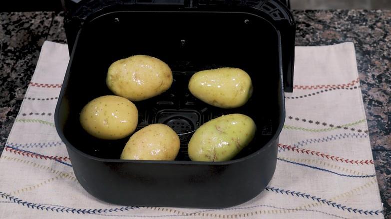 空气炸锅烤土豆皮的做法图解