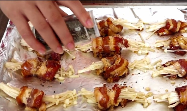 烤五花肉卷金针菇的步骤