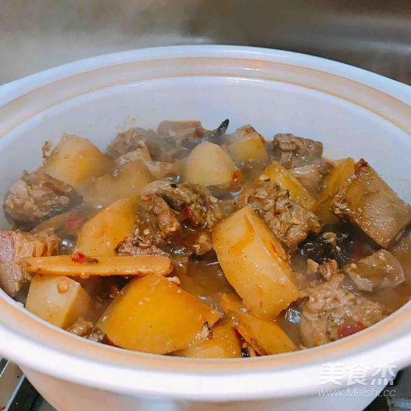 美味萝卜炖牛腩盖饭怎么炒