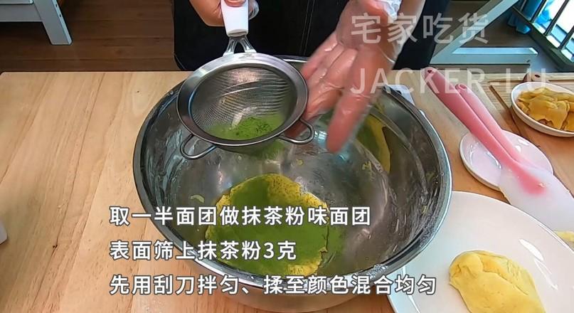 简单红豆酥,一口下去外酥里糯,吃了保证停不下来。的简单做法