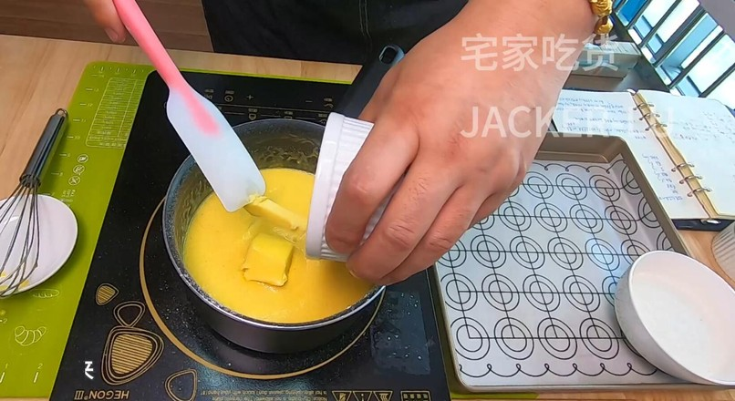 奶黄椰蓉桃花酥,颜值和味道的双重诱惑。怎么炒