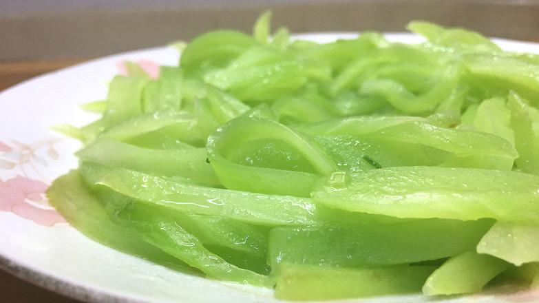 家常清炒莴笋丝,营养鲜香,清新爽脆。的步骤