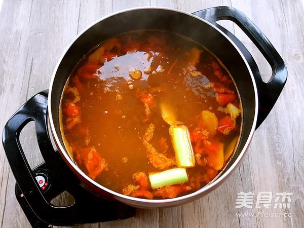 番茄牛肉浓汤火锅怎么吃
