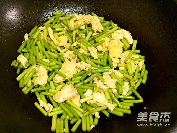 蒜苔炒鸡蛋怎么吃