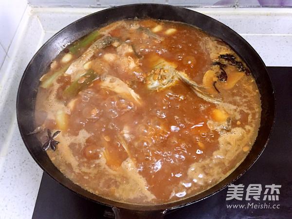 铁锅黄豆酱炖鱼怎么炖