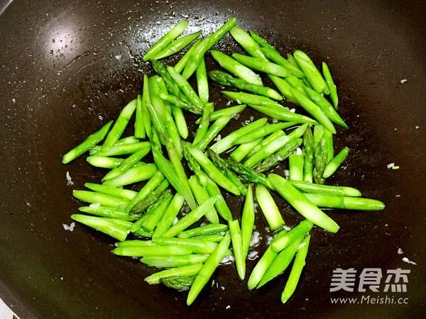 清炒芦笋怎么吃
