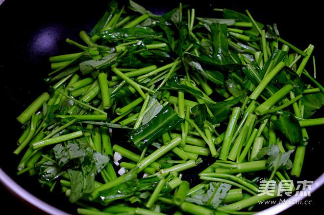 蒜蓉空心菜的简单做法