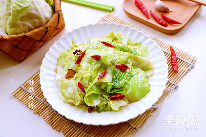 炝炒卷心菜成品图