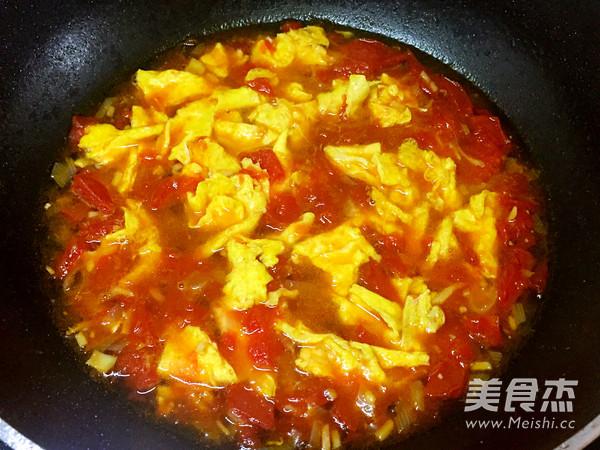 西红柿鸡蛋打卤面怎么做