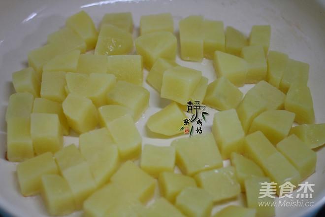 蒜香煎土豆的家常做法