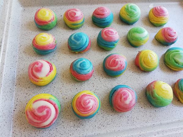 彩虹螺旋酥的做法大全