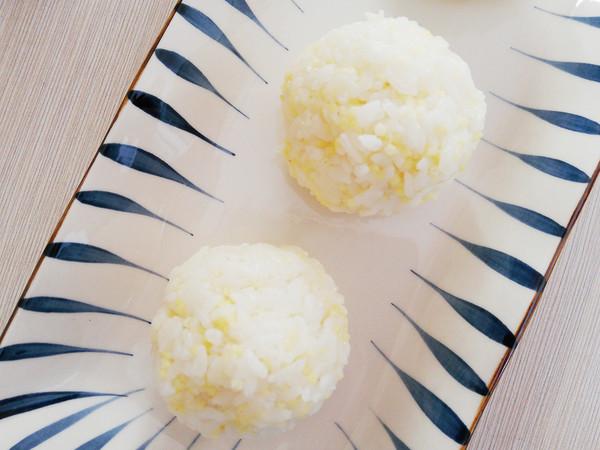 鲍鱼酱双米饭团怎么吃